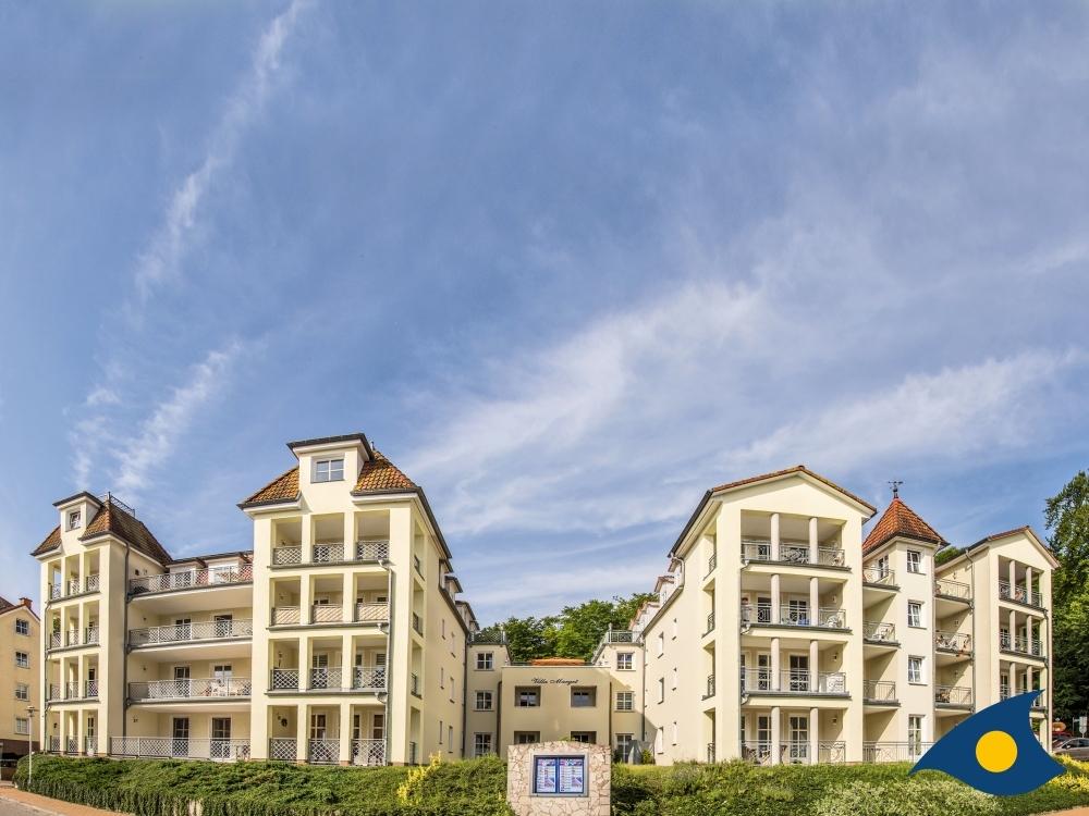 Zwillinge im Doppelpack – wunderschöne Terrasse mit Ostseeblick flankiert von zwei kleinen Traumappartements, 17429 Heringsdorf / Bansin, Wohnung